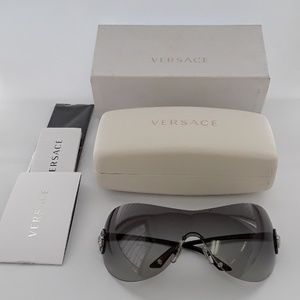 NIB Versace MOD 2113-B 1009/11 115-2N Sunglasses